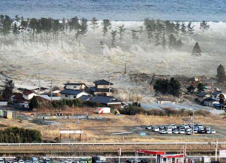 20110315102022-imagenes-tsunami-japon.jpg